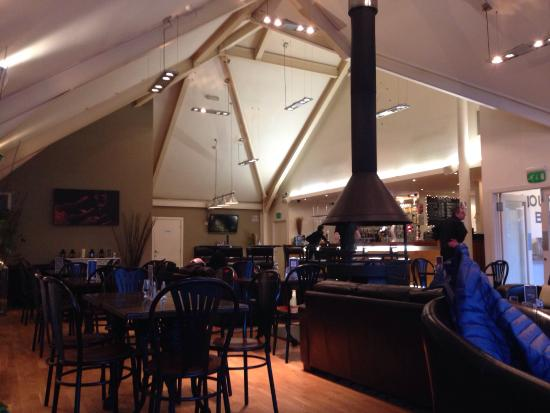 Mains of Taymouth Courtyard Restaurant: Relaxing lounge with open fire