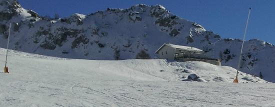 Vista del rifugio picture of rifugio lecco piani di for Piani di progettazione del padiglione