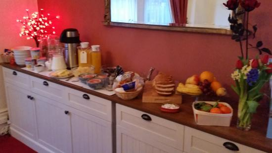 Boyne House Guest House: Breakfast Buffet