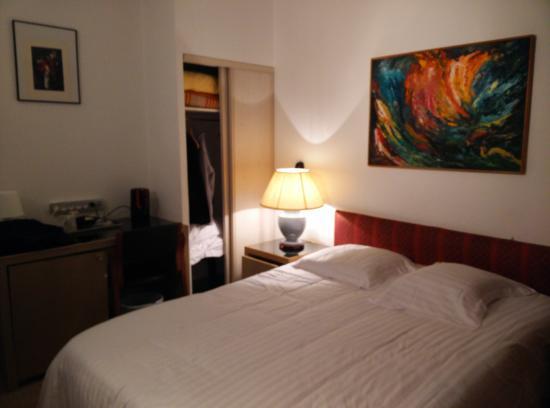 Hotel le Cleves: Photo de la chambre