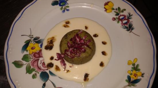 La Cavola d'Oro: flan di broccolo romano su vellutata di parmigiano  al tartufo