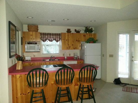 Palm Key: Kitchen