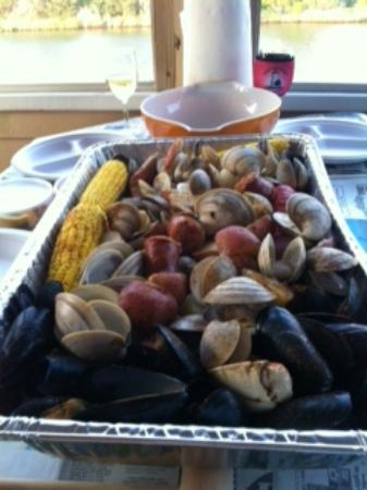 Captain Puddle Ducks' Seafood Steamer Pots : Our Feast!!