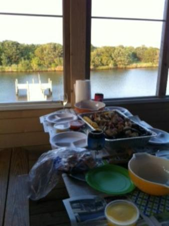 Captain Puddle Ducks' Seafood Steamer Pots : In the quiet luxury of our porch