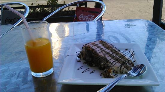 Sumo Resto Cafe