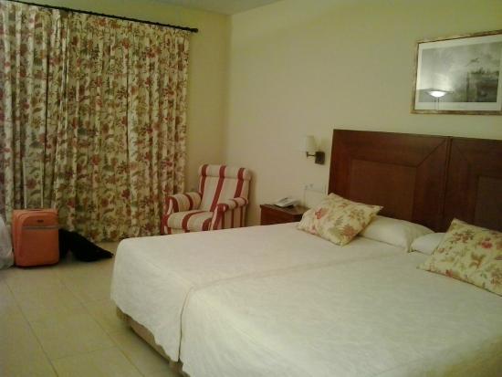 Hotel Mirador De La Portilla: La Habitacion