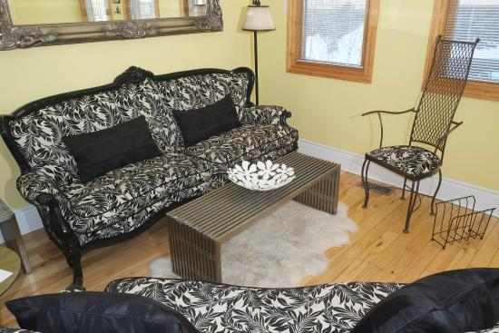The Percy Bed & Breakfast: Living Room, winter 2015