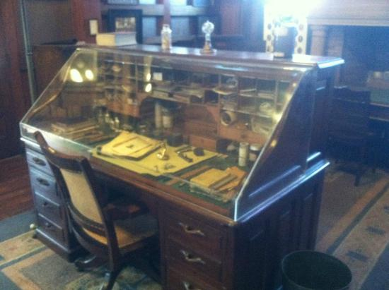 Thomas Edison National Historical Park: Edison desk