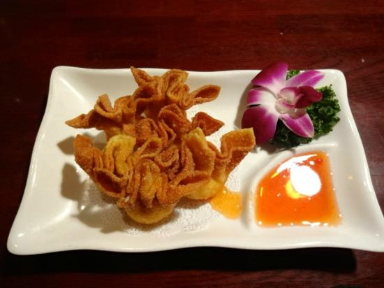 Thai Erawan: Crab Rangoon