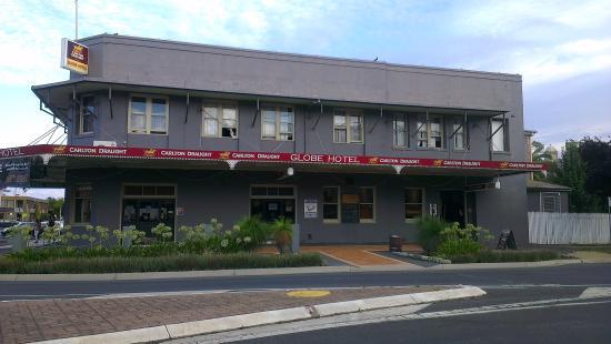 Globe Hotel Restaurant: Street View
