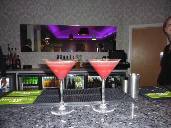 No17 Restaurant & Lounge: ,