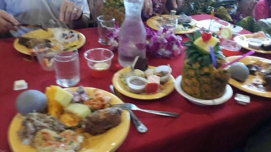 Alii Luau At The Polynesian Cultural Center: The meal