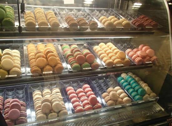 MacarOn Cafe: Tempting French macarons