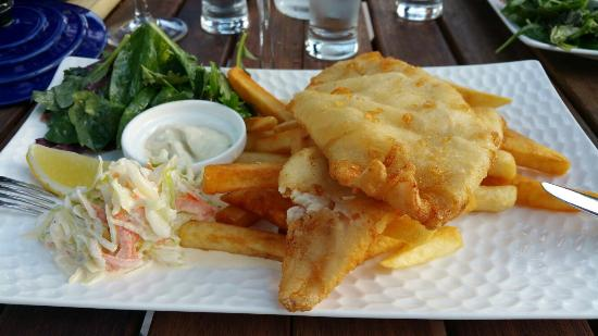 The Wharf - Restaurant & Bar: Classic but excellent fish and chips