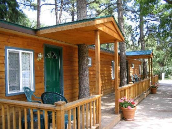 Orchard Creek Cottages: Cabins