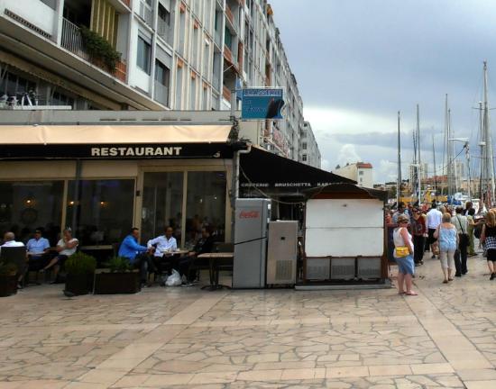 Brasserie Le France: Vista desde el Ayuntamiento.