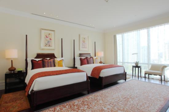 Raffles Makati : Presidential Suite Connecting Twin
