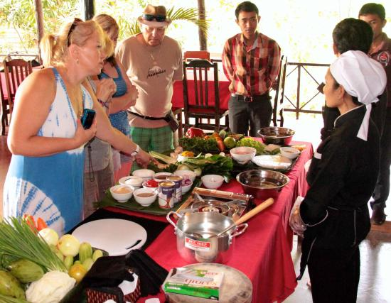cours de cuisine avis de voyageurs sur cooktuk temple tours and cooking classes siem reap. Black Bedroom Furniture Sets. Home Design Ideas