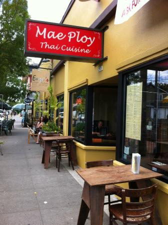Mae Ploy Thai Cuisine