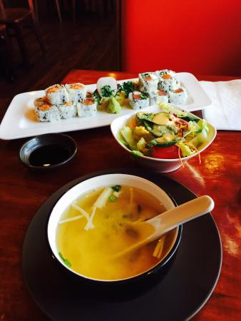 Ocean Sushi: Perfect lunch combo!!