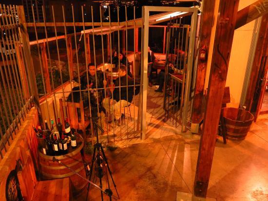 Antonia Wines Boutique: interior con vista