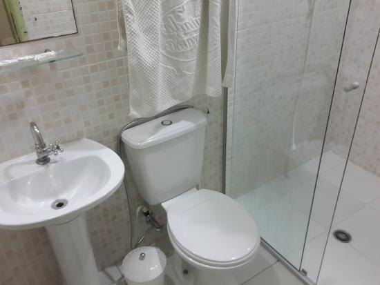 Hotel Pousada Valparaíso : Banheiro do quarto