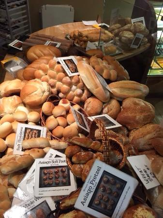 Michaelangelo's Bakery