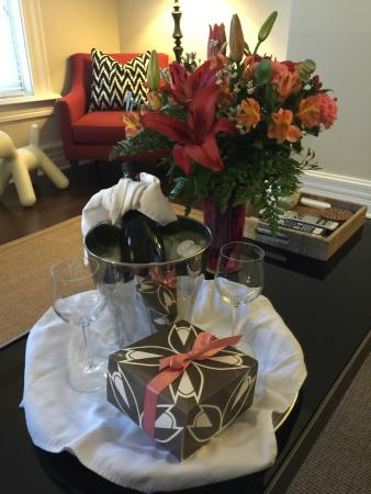 German Village Guest House: Wine, flowers, and baked goods!