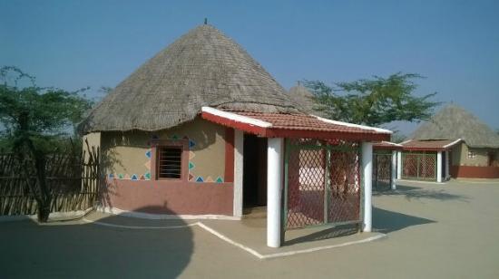 Rann Visamo Village Stay