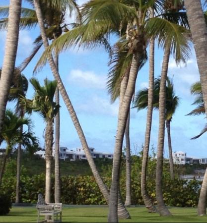 Sheriva Villa Hotel: View of Sheriva Villa from CapJuluca/MaundaysBeach