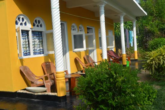 Sea Goggle Rest Resort: Beach view rooms