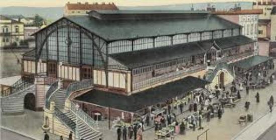 Pula Marketplace hall on old postcard