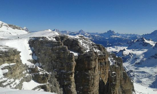 Dolomiti Ski Tour : Veduta dal passo PORDOI