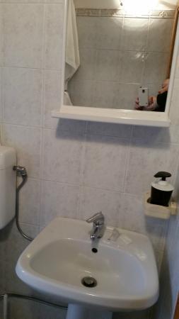 allestimento bagno - Foto di San Martino Casa Landi, Castellina in ...