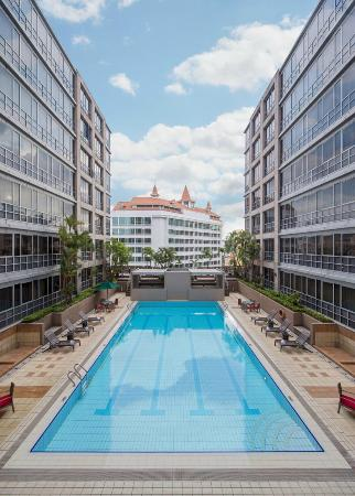 Park Avenue Clemenceau: Swimming Pool