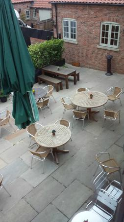 The Oak Tree Inn, Helperby: veiw of Terrace from room