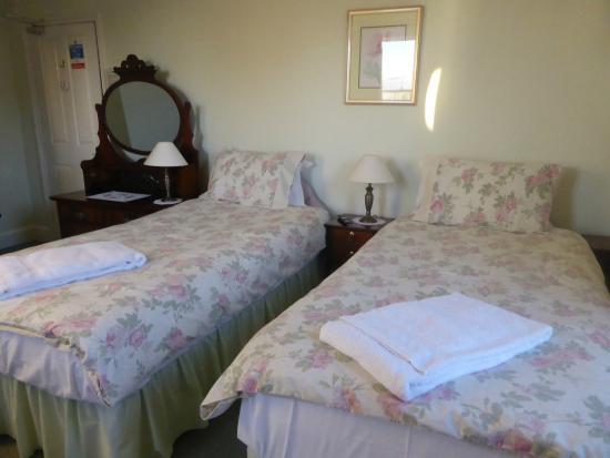 No.1 Park Terrace : Twin Bedroom