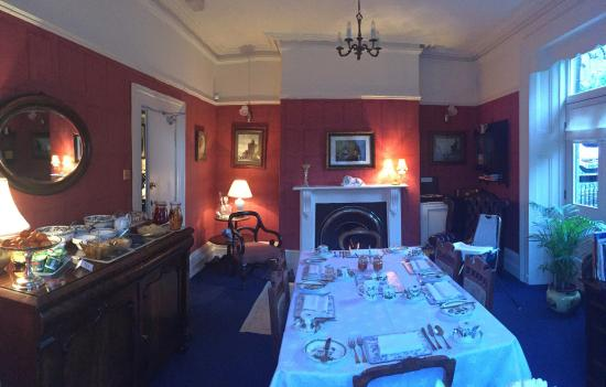 Buxton's Victorian Guest House: Breakfast set up