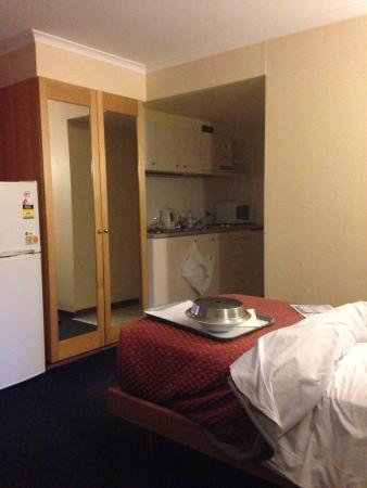 Capital Executive Apartment Hotel Canberra: room