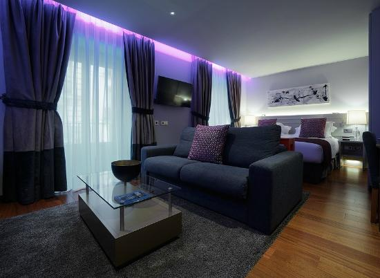 Junior suite hemingway picture of hotel preciados for Hotel preciados madrid