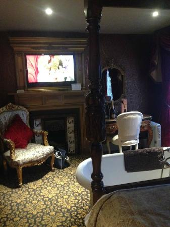 Ruby room - Picture of The Town House Durham, Durham - TripAdvisor