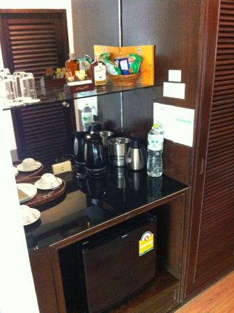 Sailom Hotel: mini bar