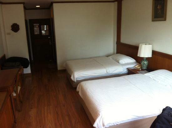 Sailom Hotel: spacious room, clean