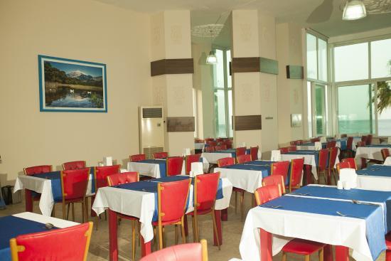 Mira Olimpos Beach Hotel : restaurant