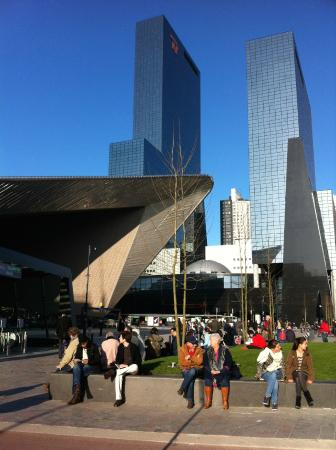 Rotterdam Centraal Station: Summer chillings @ Central Station