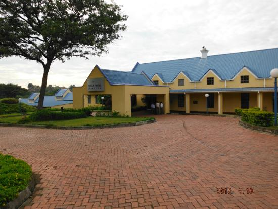 Protea Hotel by Marriott Chingola: From parking area