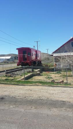 Randsburg, Kalifornien: Train in the garden