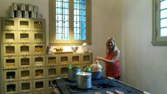 Foto de Museo Evita, Buenos Aires: antigua cocina recreada - TripAdvisor