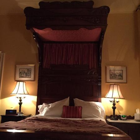 ‪‪Chester Heights‬, بنسيلفانيا: Windsor Room bed‬
