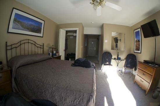 Yosemite Big Creek Inn: Madera Room